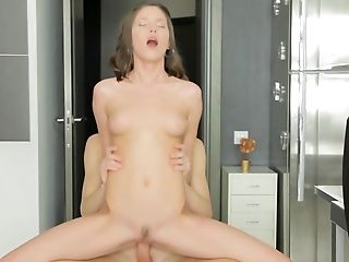 Neona Butt-banged On Webcam While Screaming Like A Breezy