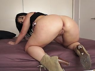 Montse Swapper Needs More Than One Stiff Knob To Get Pleased