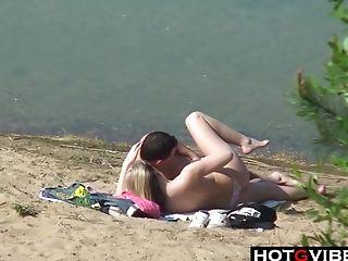 Public Beach Suck And Fuck Caught On Camera