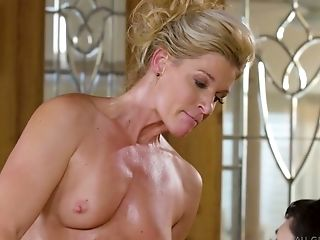 Zealous India Summer Is Lusty Masseuse Who Likes Lezzie Sixty Nine Position